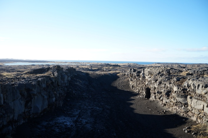 The rift valley between the North American and Eurasian plates